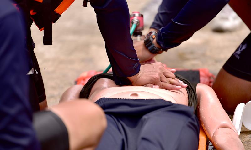 equipo-primeros-auxilios-servicios-dishospital
